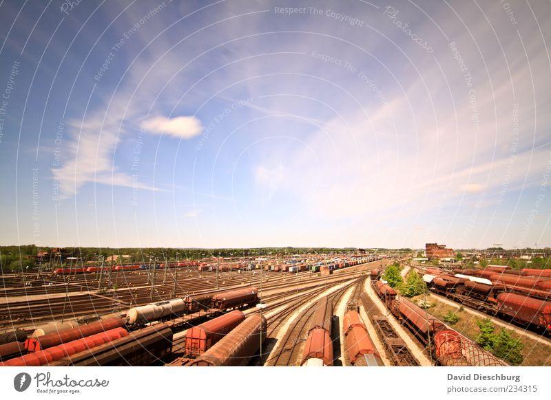 Größter Güterbahnhof Europas blau rot Wolken Ferne Horizont braun Verkehr Eisenbahn Schönes Wetter Güterverkehr & Logistik Gleise Verkehrswege Bahnhof