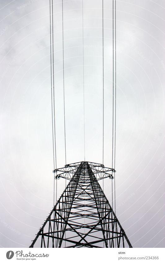 kraft Himmel Wolken dunkel grau Kraft Energiewirtschaft hoch groß Design Elektrizität ästhetisch Netzwerk Macht bedrohlich Technik & Technologie