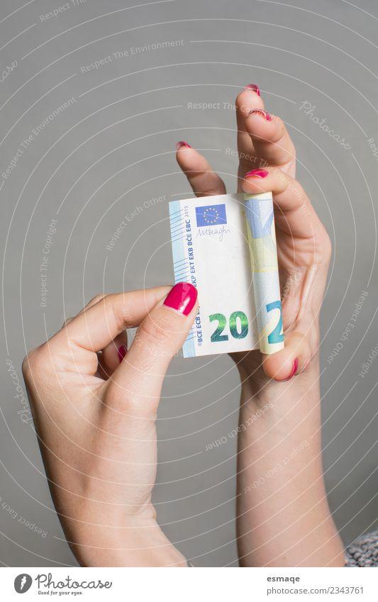 Hand feminin Glück genießen kaufen beobachten Coolness Geld listig Nagellack Maniküre