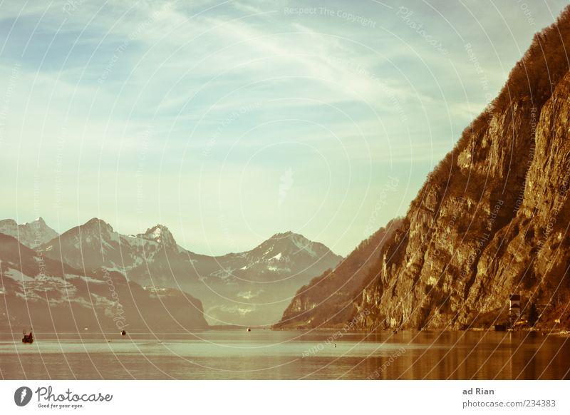 Walensee Natur Wasser Wolken Ferne Erholung Landschaft Küste See Felsen Alpen Gipfel Seeufer Wasseroberfläche Klippe Schneebedeckte Gipfel Berge u. Gebirge