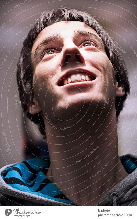 shining glory Mensch Mann Jugendliche blau Auge Glück Kopf lachen Erwachsene Beleuchtung glänzend elegant maskulin ästhetisch natürlich Neugier