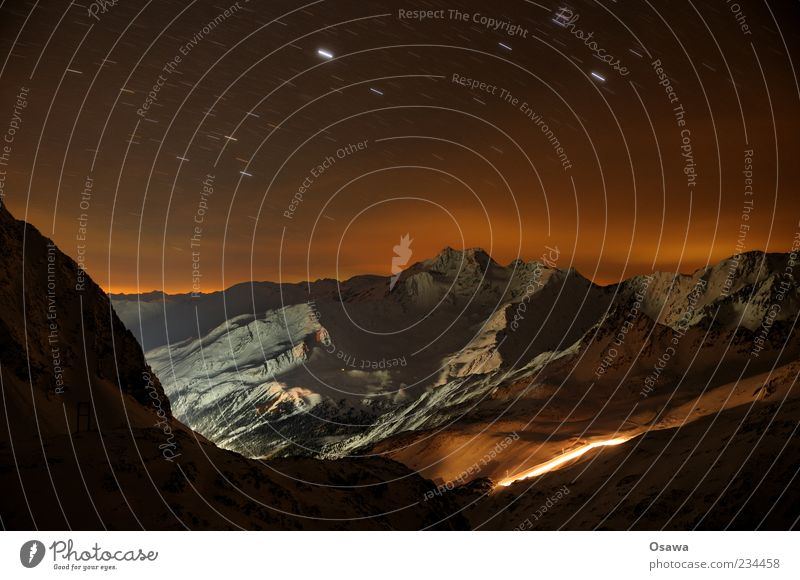Nachthimmel Winter Schnee Berge u. Gebirge Natur Landschaft Urelemente Erde Luft Wasser Himmel Wolkenloser Himmel Stern Horizont Felsen Alpen Gipfel