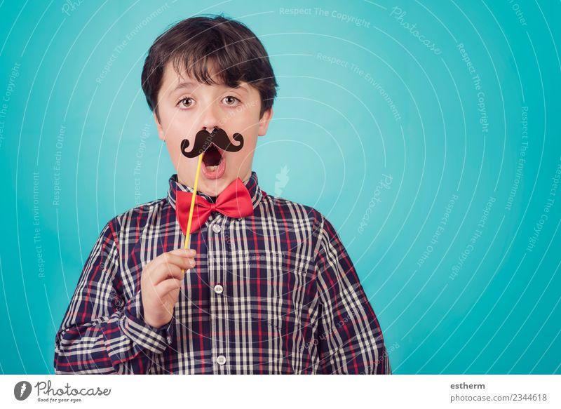 Kind Mensch blau Freude Erwachsene Lifestyle Liebe lustig Gefühle Familie & Verwandtschaft Feste & Feiern maskulin Kindheit Lächeln Fröhlichkeit Coolness