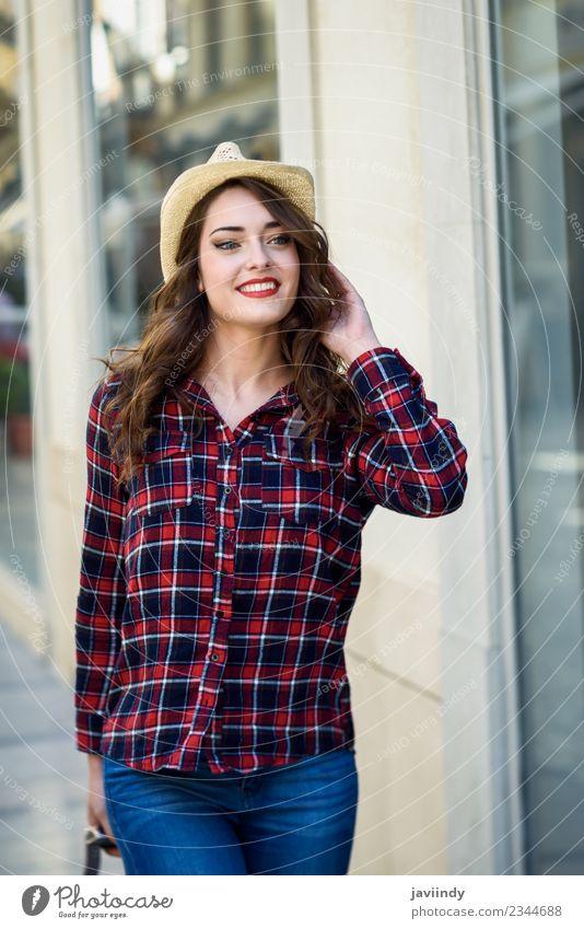 Frau Mensch Jugendliche Junge Frau Sommer schön weiß Freude 18-30 Jahre Erwachsene Gefühle feminin Stil Glück Mode Fröhlichkeit