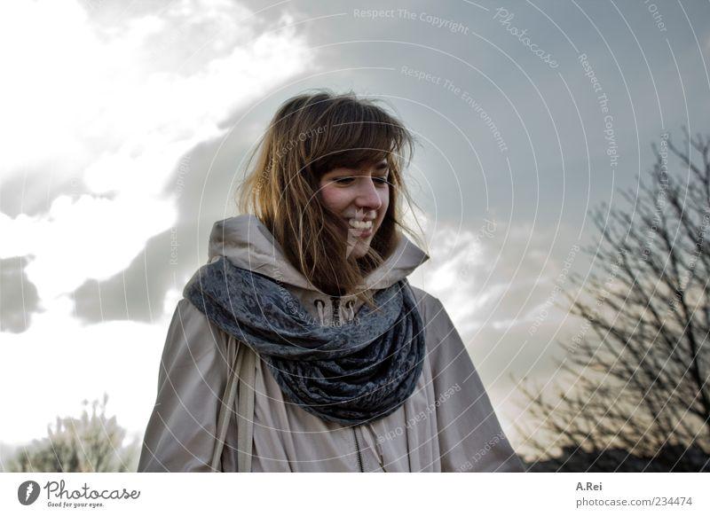 Erste Frühlingstage mit Sarah Mensch Natur Jugendliche Freude Erwachsene feminin lachen Glück Zufriedenheit Fröhlichkeit 18-30 Jahre Junge Frau Jacke