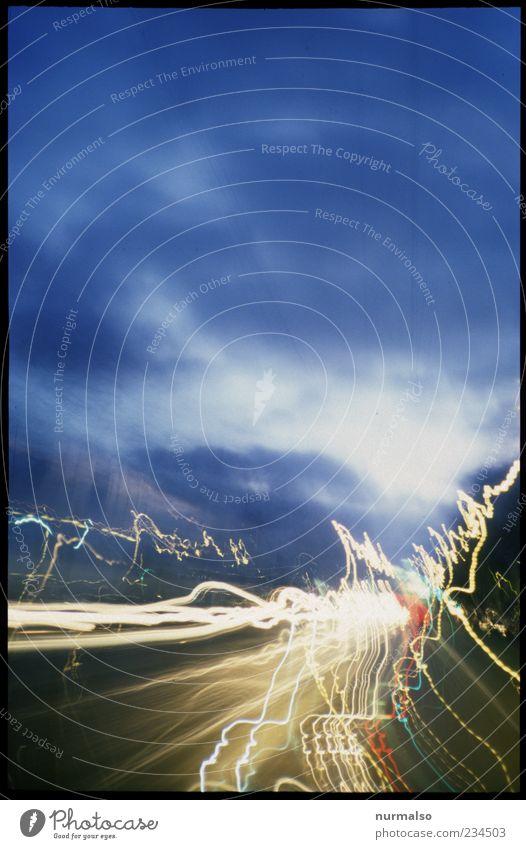 Fahrt in den Morgen Himmel Wolken Bewegung Wege & Pfade Stimmung Energie Verkehr Geschwindigkeit Zukunft Vergänglichkeit Verkehrswege skurril Stress trashig