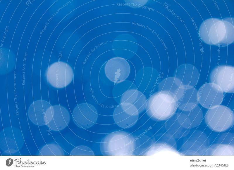 blur Wasser Ornament glänzend leuchten rund blau Stimmung Leben ästhetisch chaotisch geheimnisvoll Inspiration rein Sinnesorgane Farbfoto Außenaufnahme