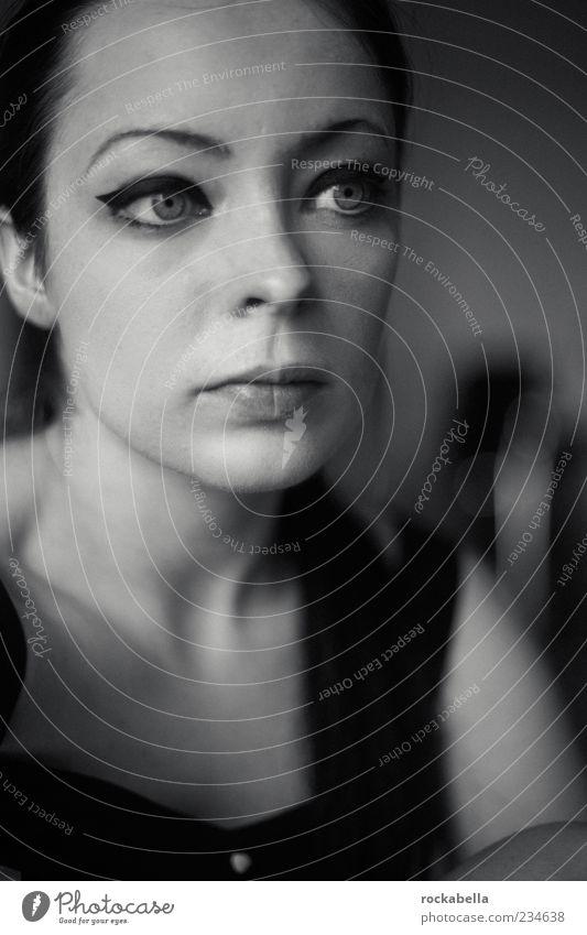 scars of your love. Mensch Jugendliche schön Einsamkeit Erwachsene feminin Traurigkeit elegant ästhetisch 18-30 Jahre einzigartig Junge Frau dünn Sorge schwarzhaarig Frauengesicht