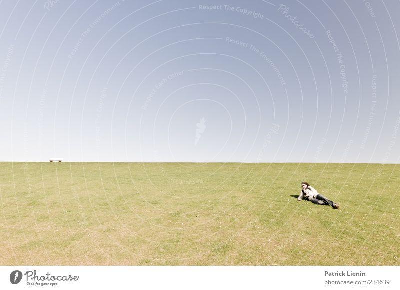 Spiekeroog | Weit ist der Weg Mensch Frau Natur blau grün Sonne Sommer Erwachsene Ferne Umwelt Wiese Freiheit Luft Stimmung Wetter elegant