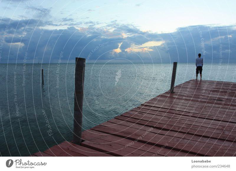 vorne, mitte, hinten Natur Wasser Ferne Landschaft Küste Stimmung Wellen Insel Bucht Steg Anlegestelle Wasseroberfläche Wolkenhimmel Abend Dalben