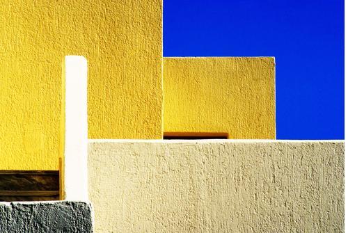 Greek Impression blau weiß Haus ruhig Architektur gelb Wand Kunst Mauer Stein Fassade Design Zufriedenheit ästhetisch Beton Dorf