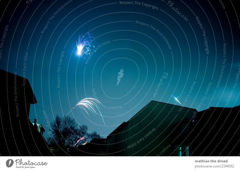 PENG Himmel blau Stadt schön Baum Freude Haus dunkel Fenster Wand Glück Mauer Gebäude Fassade glänzend außergewöhnlich