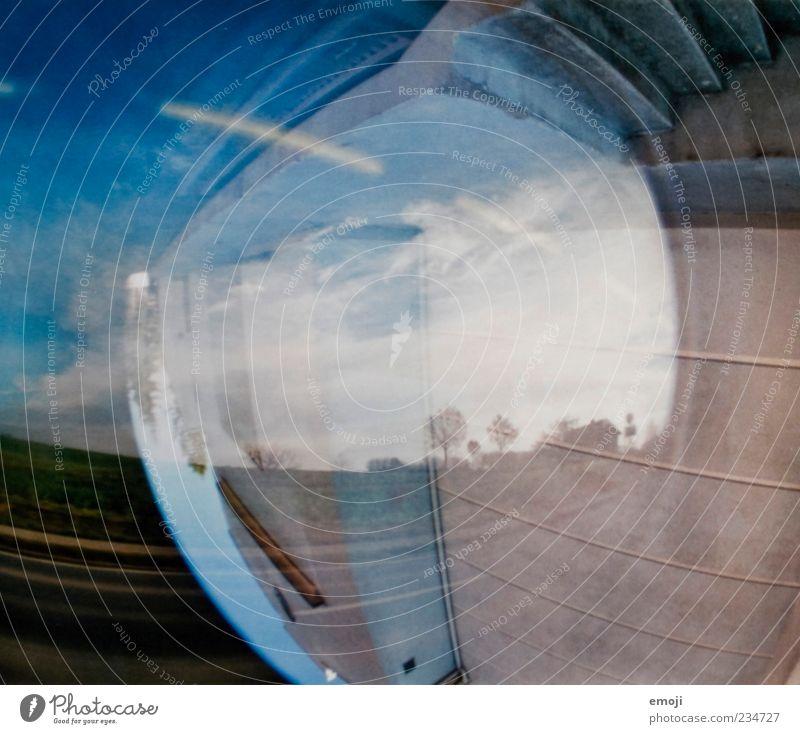 upside down Himmel blau Straße Landschaft Hintergrundbild Treppe außergewöhnlich analog Doppelbelichtung Textfreiraum Gegenteil Rätsel ländlich schemenhaft