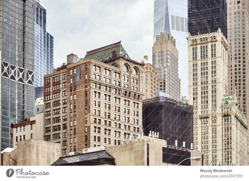 Alte und moderne Manhattan-Gebäude, New York City, USA. Sightseeing Städtereise Wohnung Haus Büro Stadt Stadtzentrum Skyline Hochhaus Architektur Mauer Wand