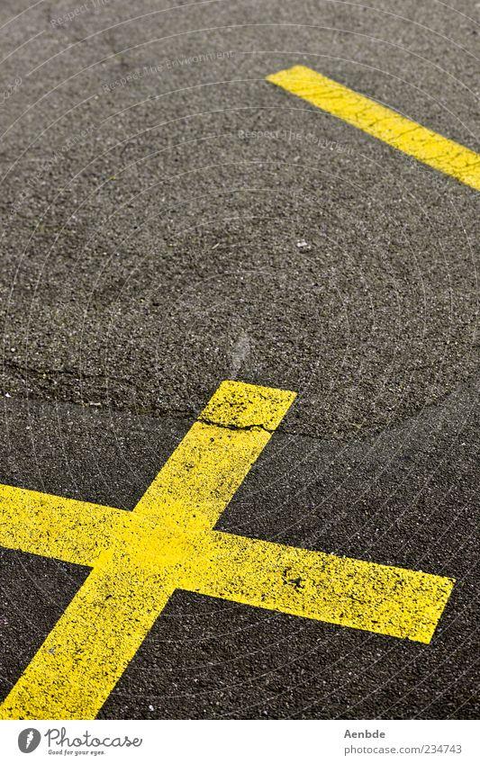 kreuz&strich gelb Straße grau Linie Asphalt Kreuz Riss Teer graphisch minimalistisch Fahrbahnmarkierung