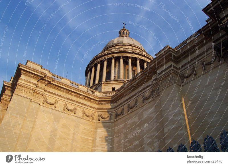 pantheon Paris himmelblau Architektur Himmel Froschperspektive Säule Wand Pantheon majestätisch groß Kuppeldach