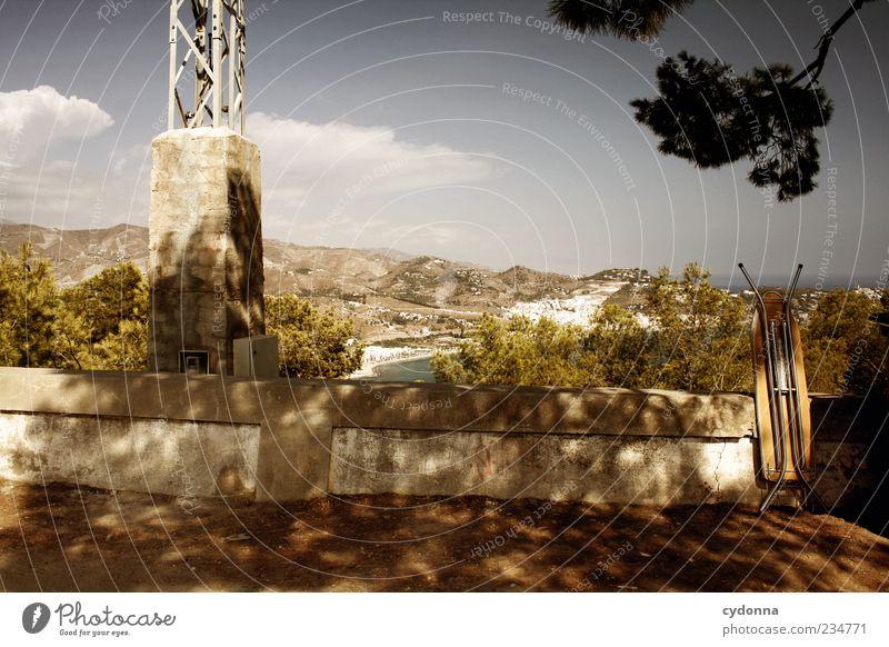 Bügeln mit Meerblick Natur Einsamkeit ruhig Ferne Erholung Umwelt Landschaft Leben Wand Berge u. Gebirge Freiheit Küste Mauer träumen Zeit