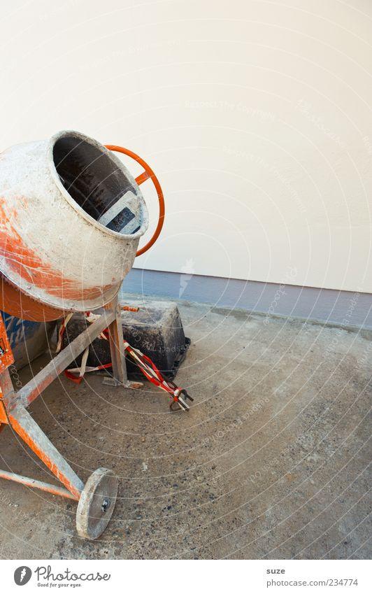 Gut gemischt ... grau orange dreckig Industrie Industriefotografie Baustelle Maschine bauen Anschnitt Bildausschnitt mischen Sanieren Baumaschine Maurerhandwerk Hochbau Mischmaschine