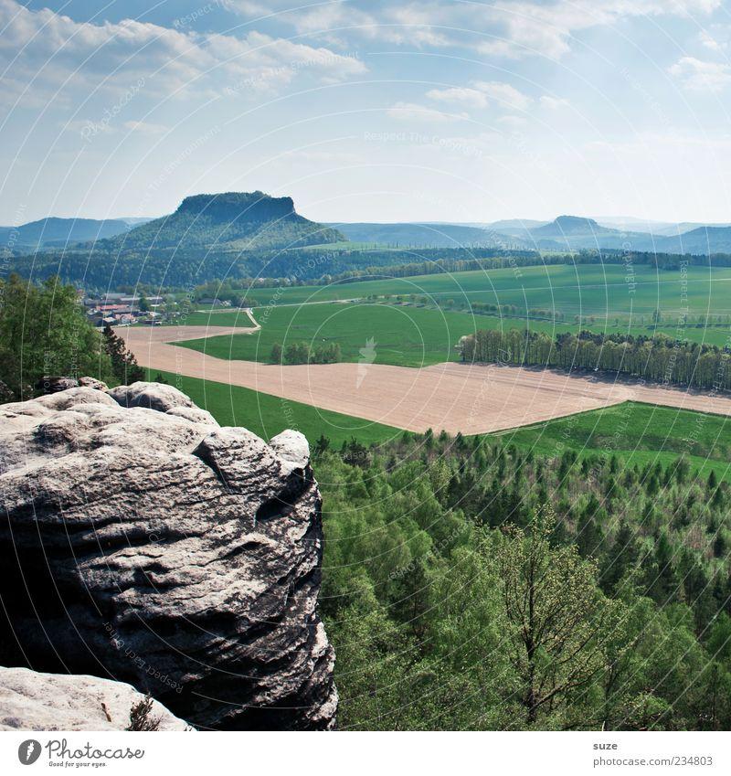 Ausgugg Himmel Natur grün Baum Wolken Wald Ferne Umwelt Landschaft Berge u. Gebirge Freiheit Horizont Felsen Feld Klima außergewöhnlich