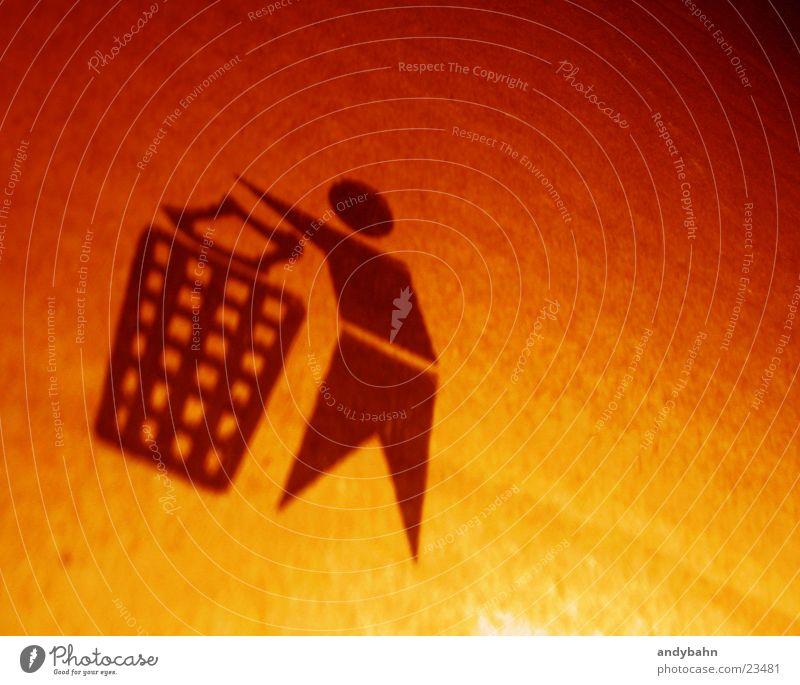 throw it away Symbole & Metaphern Ikon wegwerfen Müll Verpackung Karton gelb Dinge Zeichen wegwerfgesellschaft orange