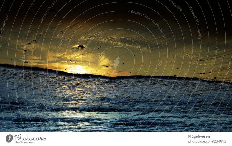 Sommernacht Sonne Meer Wellen Küste Strand Nordsee Ostsee Himmel Wasser Reisefotografie Farbfoto Außenaufnahme Dämmerung Nacht Sonnenlicht Sonnenaufgang