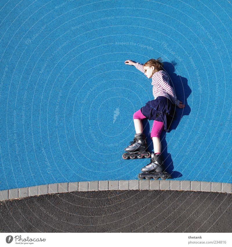 siehste! Sport Fitness Sport-Training Mädchen fahren sportlich Freude selbstbewußt Bewegung Erholung Freizeit & Hobby Leichtigkeit Mobilität Inline Skating