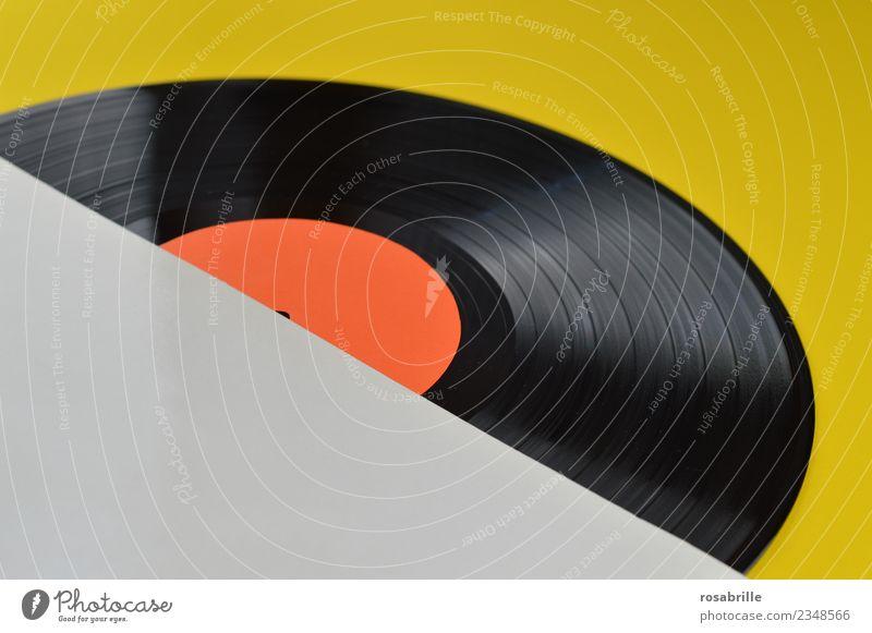 leeres weißes Schallplattencover über Eck mit LP auf gelb Freizeit & Hobby Nachtleben Party Musik Club Disco Diskjockey ausgehen Feste & Feiern Tanzen