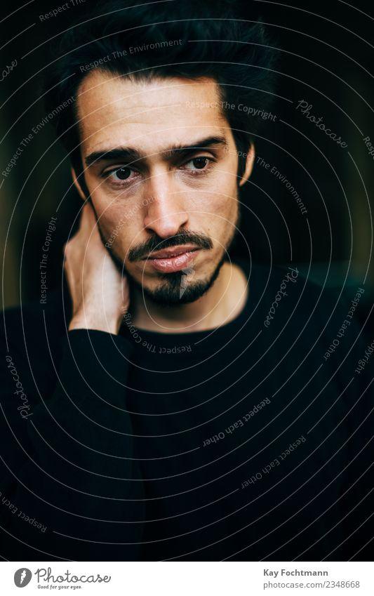 worried young man maskulin Junger Mann Jugendliche Erwachsene Leben 1 Mensch 18-30 Jahre Pullover schwarzhaarig kurzhaarig Bart Denken Traurigkeit warten weinen