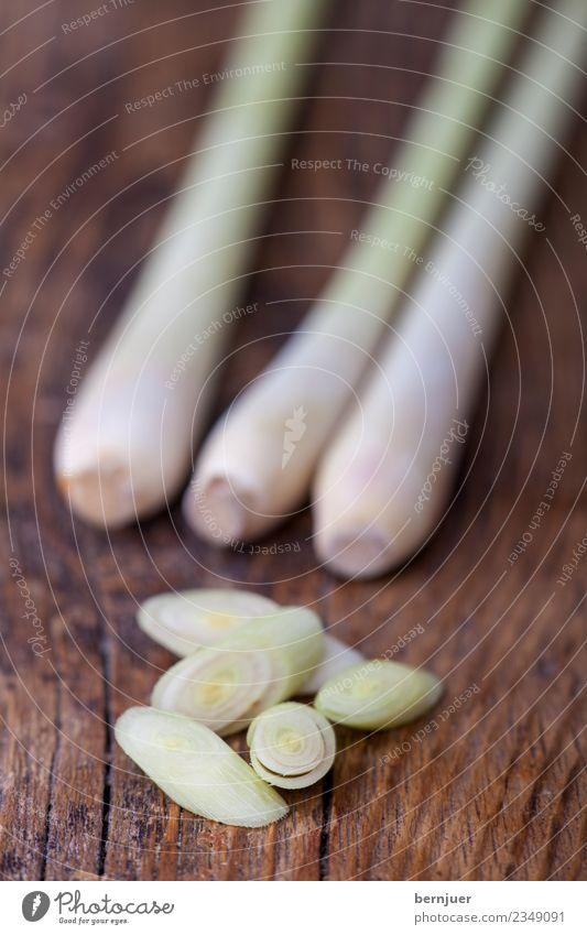 Zitronengras Lebensmittel Kräuter & Gewürze Bioprodukte Vegetarische Ernährung Diät Asiatische Küche gut braun grün weiß Holz Holzbrett 3 Planke geschnitten
