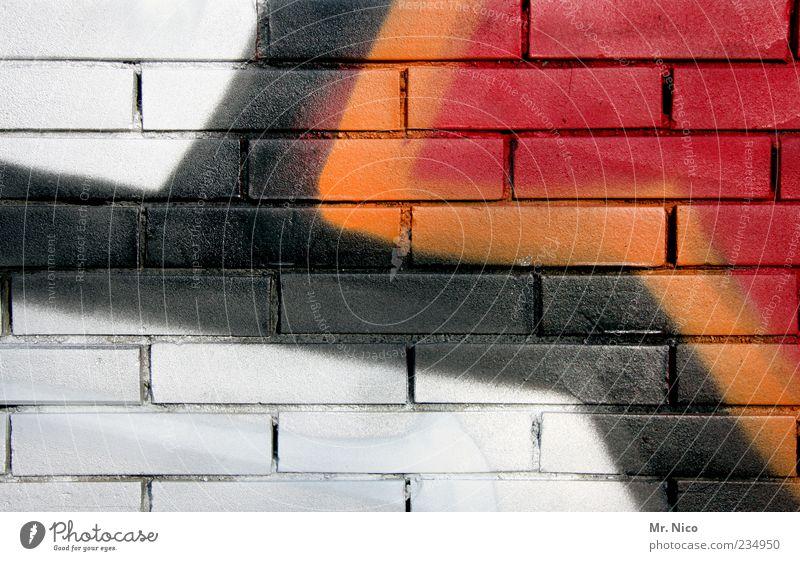 farbpalette Kunst Graffiti rot schwarz weiß orange-rot Mauer mehrfarbig Linie Gemälde Wand Fassade Farbstoff Kreativität Glück Anstrich abstrakt Kontrast