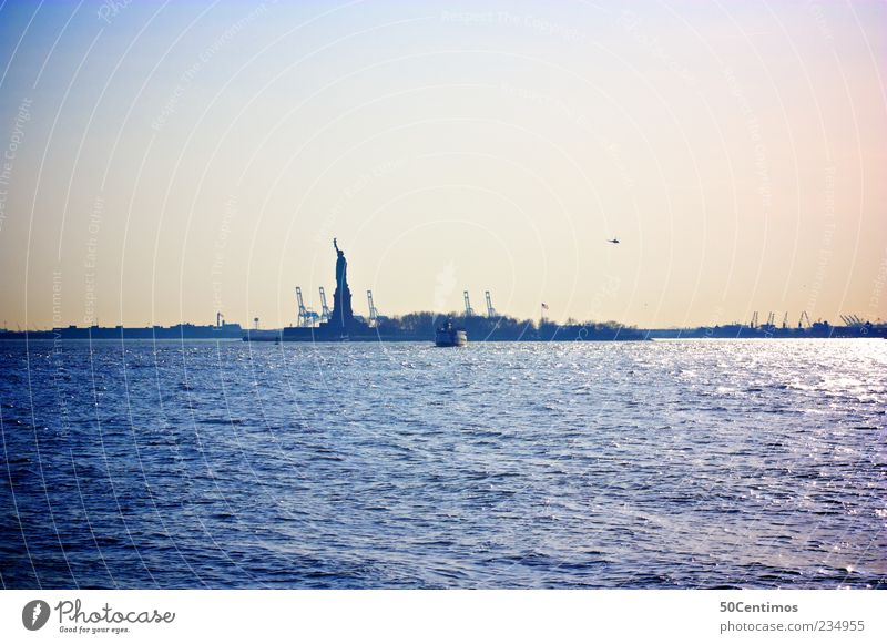 state of liberty Ferien & Urlaub & Reisen blau Ferne gelb Lifestyle Freiheit Tourismus Kraft Wellen Zukunft Abenteuer Fluss USA Hafen Skyline Wahrzeichen