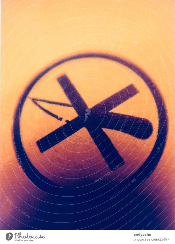 no messer please Industrie Zeichen Verbote Messer geschnitten Verpackung Haarschnitt Piktogramm stechen Ikon
