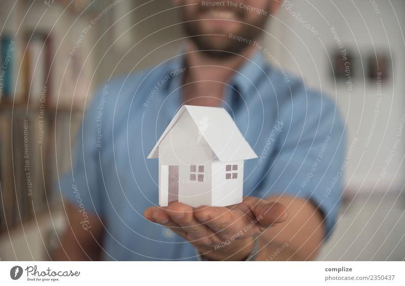 Papier Haus Ferien & Urlaub & Reisen Mann Hand Erwachsene Gebäude Glück Arbeit & Erwerbstätigkeit Häusliches Leben Wohnung träumen Kreativität Geschenk Idee