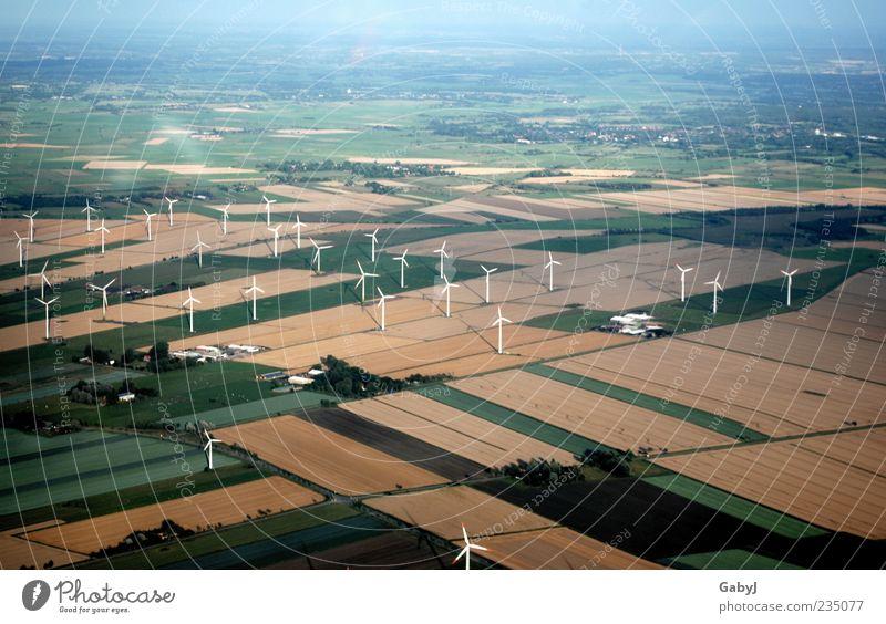 Strahlungsarme Alternative II Umwelt Ferne Landschaft Herbst Feld Klima Energie Netzwerk Sauberkeit Landwirtschaft Unendlichkeit Windkraftanlage Luftaufnahme