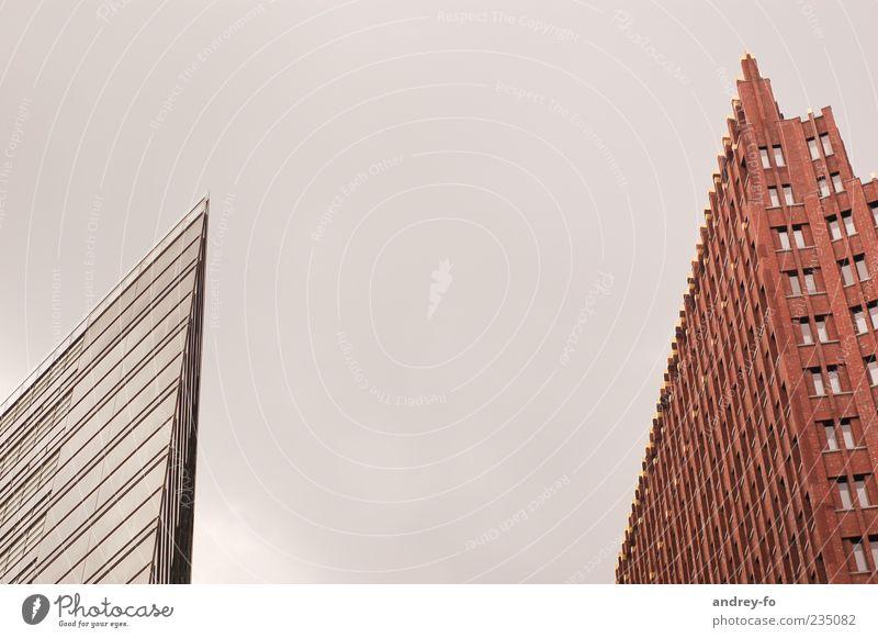 Spitze Haus Hauptstadt Hochhaus Bankgebäude Gebäude Architektur Fassade Fenster Potsdamer Platz Stein Glas eckig modern braun grau rot silber innovativ