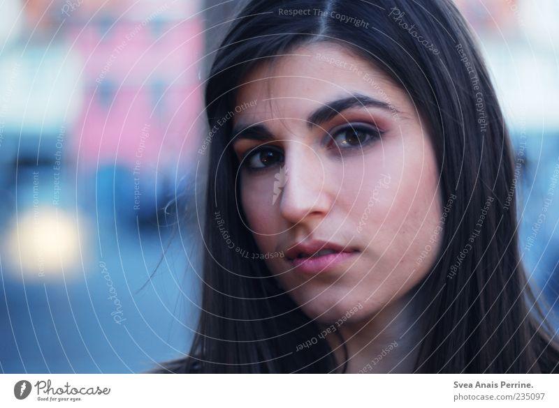 fertiggetuscht feminin Junge Frau Jugendliche Haare & Frisuren Gesicht 1 Mensch 18-30 Jahre Erwachsene brünett langhaarig beobachten schön einzigartig natürlich