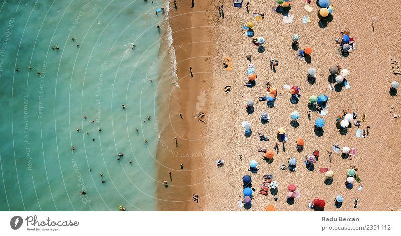 Luftbilddrohne Blick auf Menschen am Strand in Portugal Lifestyle exotisch Wellness Schwimmen & Baden Ferien & Urlaub & Reisen Abenteuer Sommer Sommerurlaub