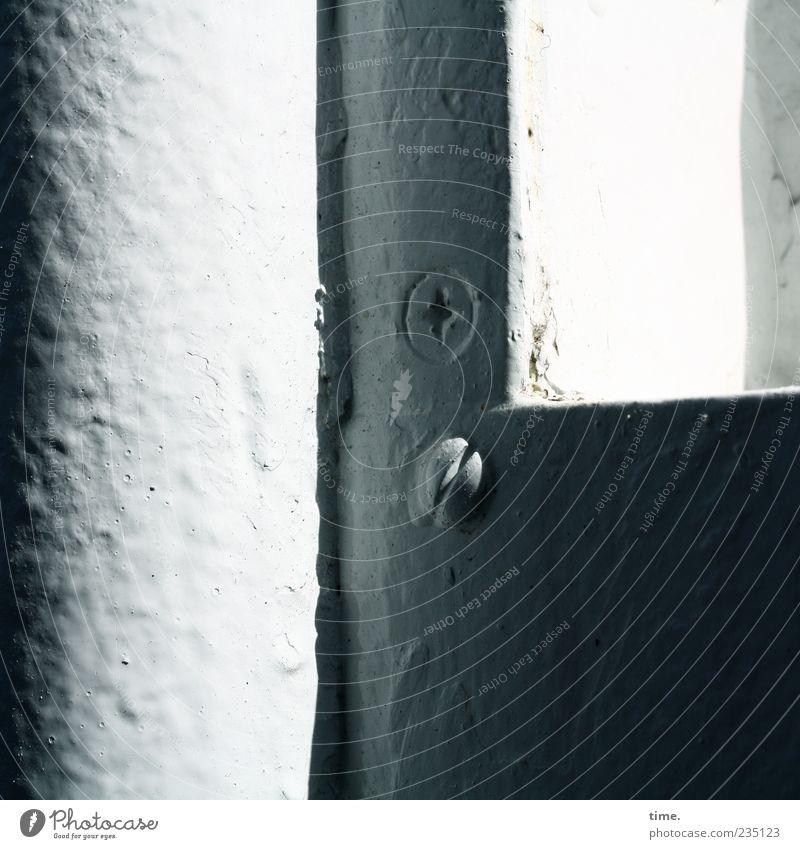 Spiekeroog | Schiffsschrauben weiß Farbe grau Farbstoff Metall Wasserfahrzeug Ordnung Metallwaren Rahmen Schraube Lack Fähre Befestigung lackiert Schatten