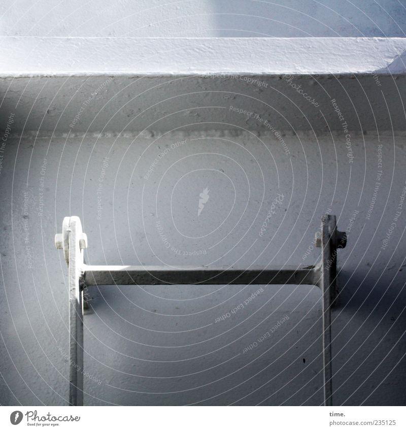 Spiekeroog | Ausstieg (selber machen) Leiter Fähre Lack Schraube Befestigung Fußtritt Licht Sonnenlicht Leitersprosse Detailaufnahme Metall An Bord