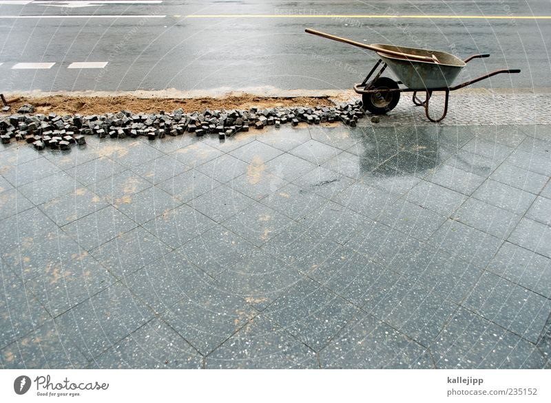 angraben Straße Sand Arbeit & Erwerbstätigkeit nass Streifen Baustelle Beruf Bürgersteig Loch Handwerk Unternehmen Wirtschaft Pflastersteine Arbeitsplatz Schaufel Bodenplatten