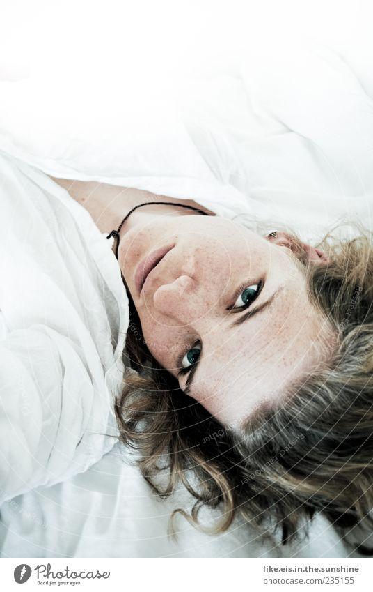 pfannkuchen zum frühstück?! Mensch Frau Jugendliche weiß schön Gesicht Erwachsene Auge Erholung Leben feminin Kopf Haare & Frisuren Zufriedenheit blond Mund