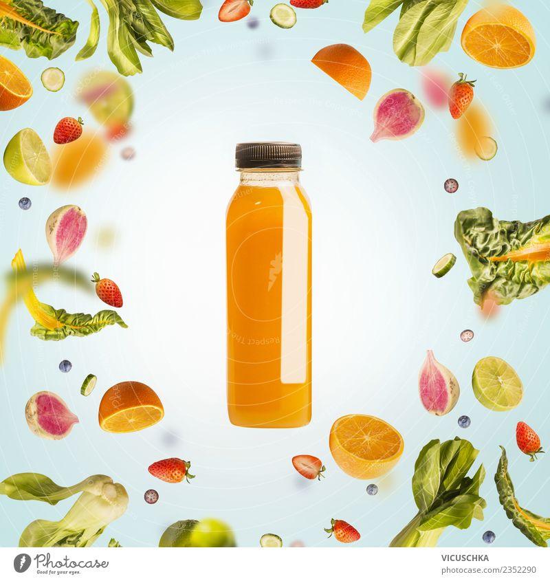Flacshe mit gelbem Sommergetränk , Obst und Früchte Lebensmittel Gemüse Frucht Orange Ernährung Bioprodukte Vegetarische Ernährung Diät Getränk
