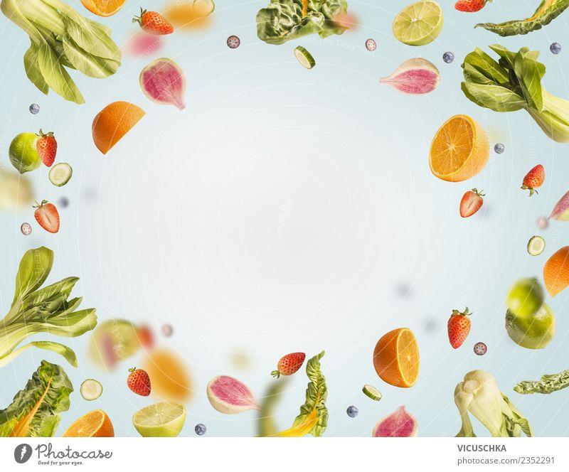 Fliegende Obst und Gemüse Rahmen blau Gesunde Ernährung Foodfotografie Essen Gesundheit Stil Lebensmittel Design Frucht Orange Kreativität fallen Apfel