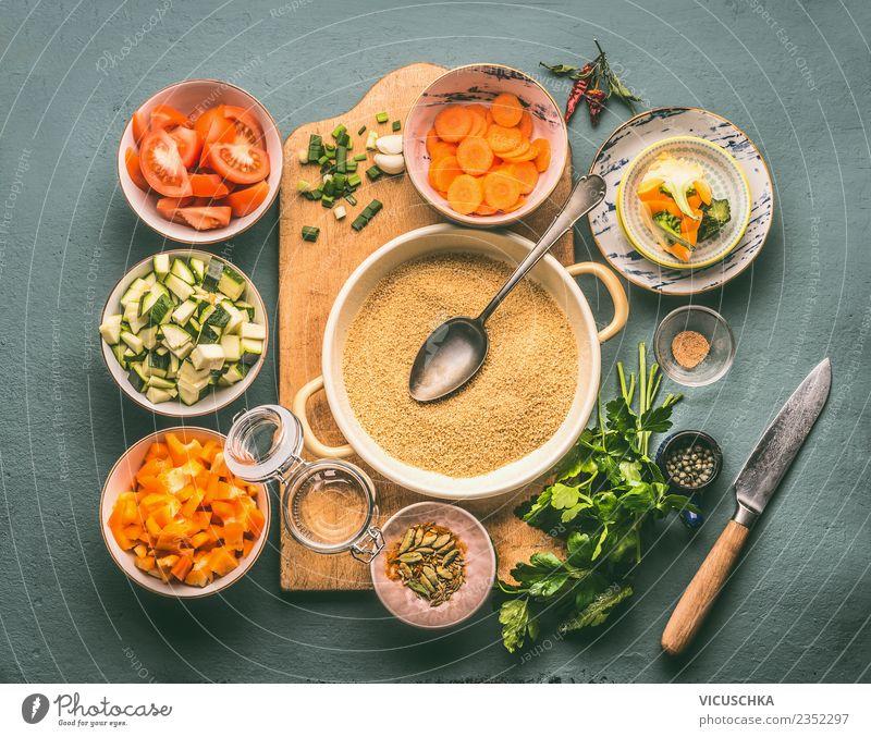 Vegetarische Ernärung mit Couscous und Gemüse Lebensmittel Getreide Kräuter & Gewürze Ernährung Mittagessen Abendessen Bioprodukte Vegetarische Ernährung Diät