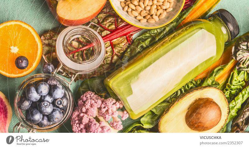 Smoothie Flasche mt gesunde Zutaten Lebensmittel Gemüse Frucht Ernährung Bioprodukte Vegetarische Ernährung Diät Getränk Erfrischungsgetränk Saft Lifestyle Stil