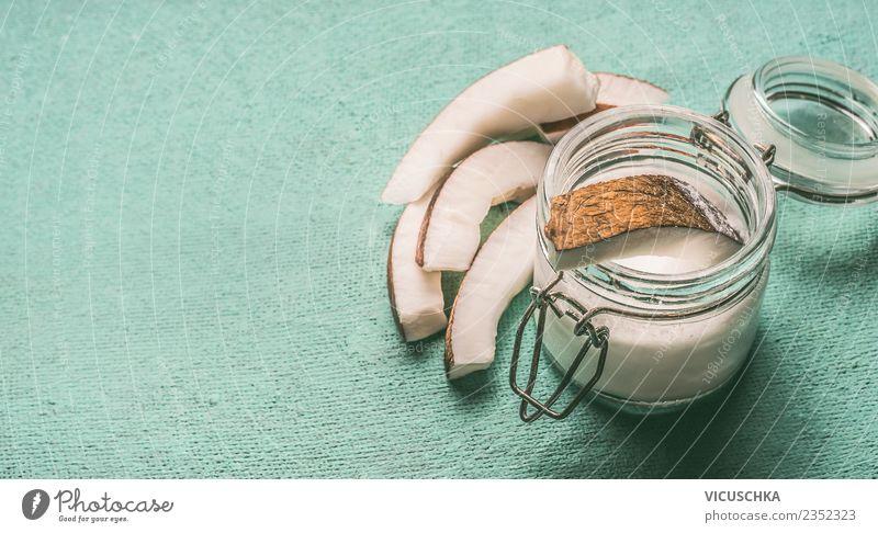 Kokosmilch im Glasgefäß mit Kokosnuss Lebensmittel Bioprodukte Vegetarische Ernährung Diät Stil Design Gesundheit Gesunde Ernährung Sommer Natur Hintergrundbild