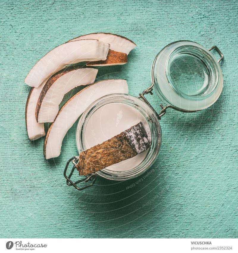 Kokosmilch im Glas mit Kokosnussscheiben Lebensmittel Ernährung Bioprodukte Vegetarische Ernährung Diät Getränk Milch Stil Design Gesundheit Gesunde Ernährung