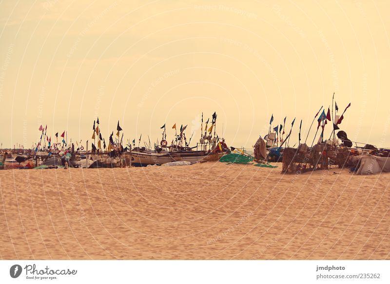 Fischerboote Sonne Meer Sommer Strand ruhig Küste Arbeit & Erwerbstätigkeit warten Insel Seil Netz Hafen Gelassenheit Schifffahrt Sommerurlaub