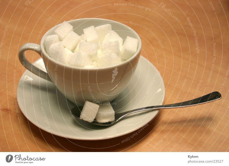 Noch Zucker??? Ernährung Kaffee Tasse Zucker füllen Untertasse