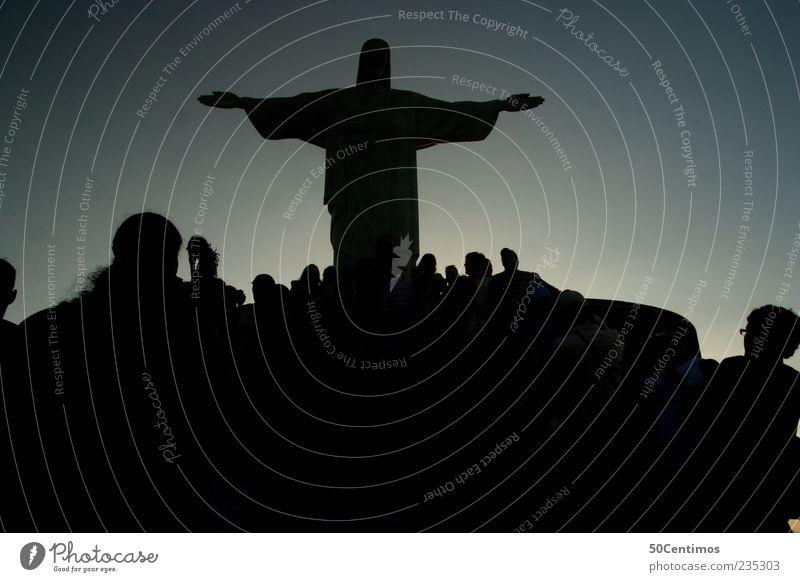 Silhouette von Cristo in Rio de Janeiro Mensch blau Ferien & Urlaub & Reisen schwarz Kopf Menschengruppe Stimmung Zusammensein Tourismus ästhetisch einzigartig beobachten fantastisch entdecken Statue Wahrzeichen